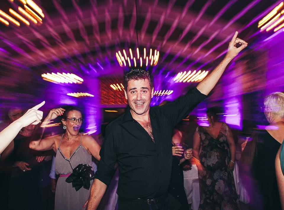52 invitado de boda bailando raphael
