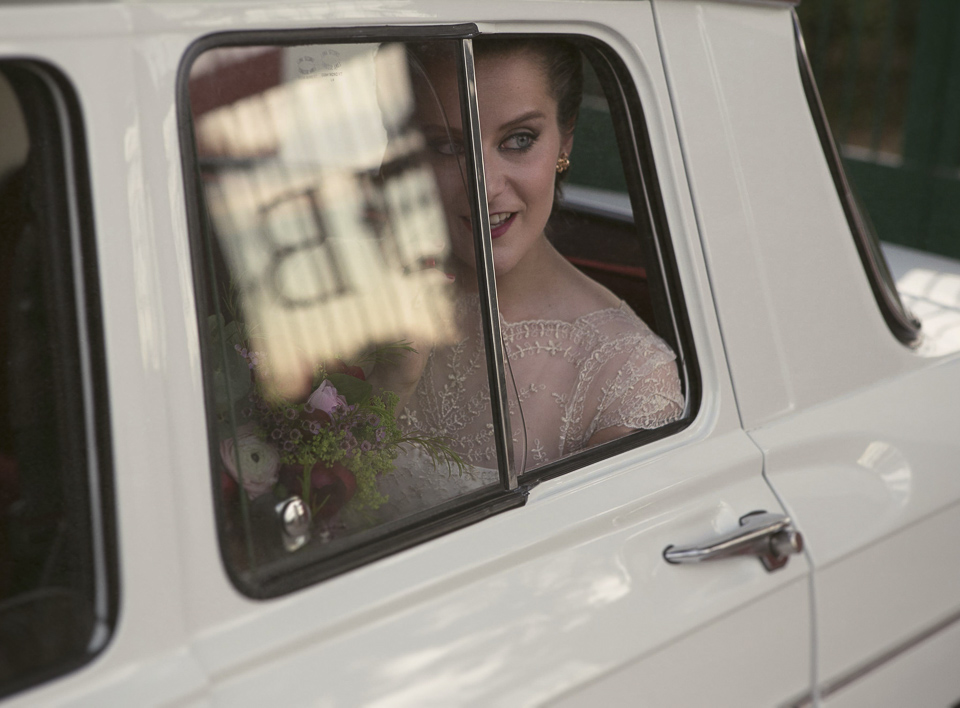 novia en coche de novios