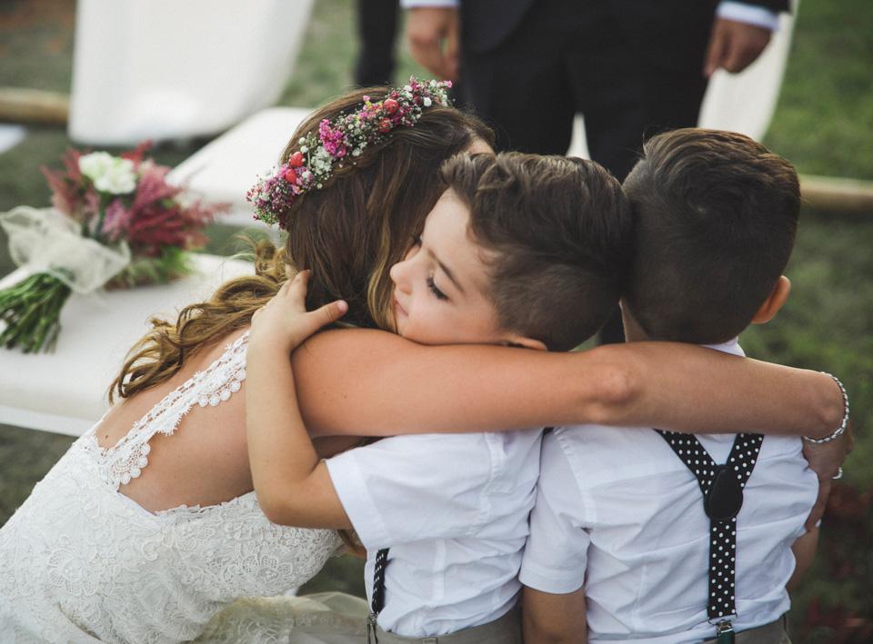 32-abrazos-sobrinos-novia-anillos