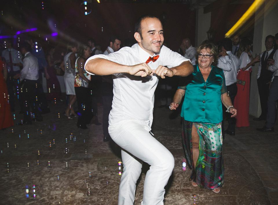 70-baile-fiesta-hombre