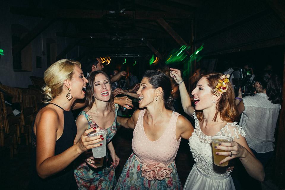 56 cantos de amigas fiesta boda