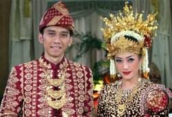 10 PERNIKAHAN PALING MEWAH & HEBOH DI INDONESIA