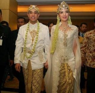 Pernikahan Ardhi Bakrie Dengan Nia Ramadhani