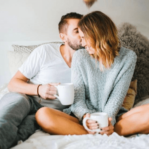 Tips Bercinta di Rumah Orang Tua Ketika Libur Panjang