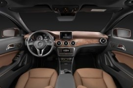 2015-mercedes-benz-gla-class-dash-view