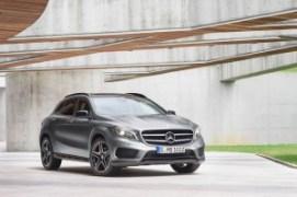 Mecedes-Benz-GLA-Class-2015-Black