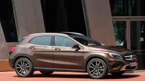 Mercedes-Benz-GLA-2015
