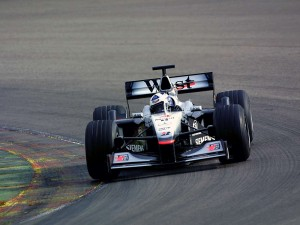 mclaren_mercedes-benz_mp4-16_2