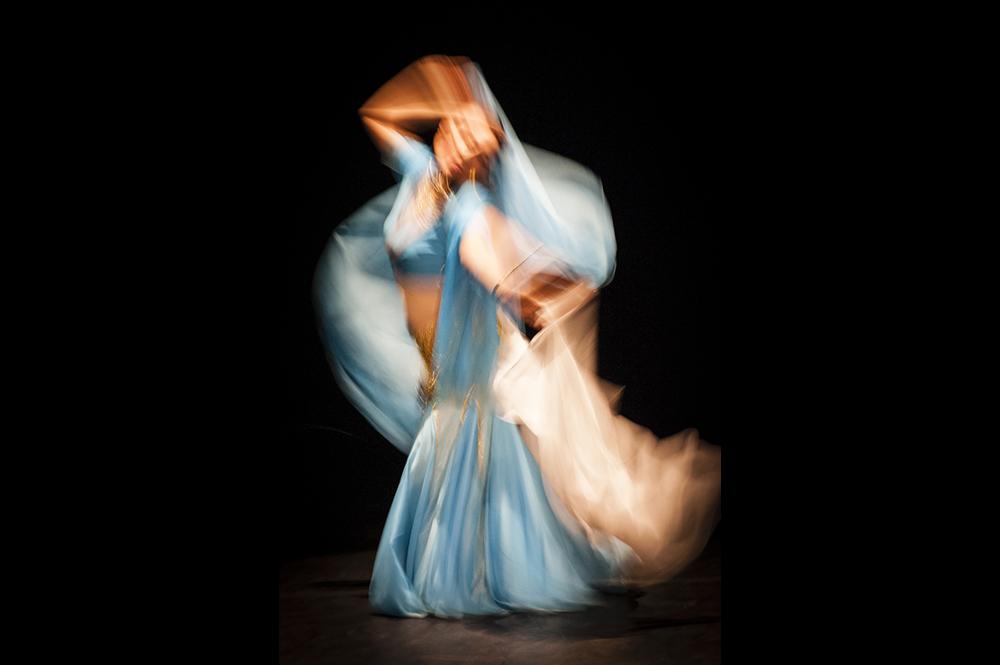 Photographie professionnelle de danse dans un esprit sensible et artistique à clermont-ferrand en auvergne.