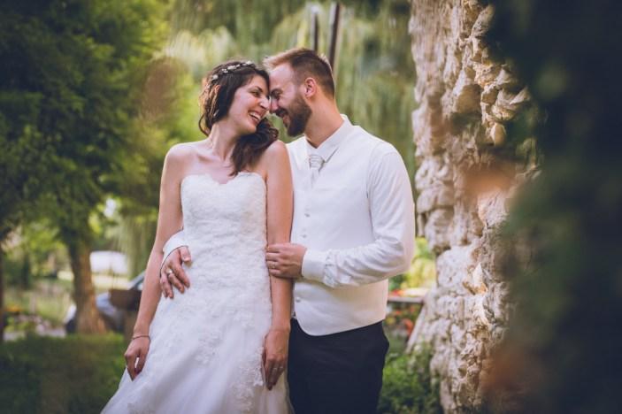 Photo de couple d'un mariage en auvergne.