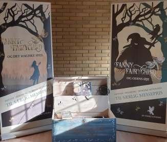 Fanny Fairychild's kiste og udstilling