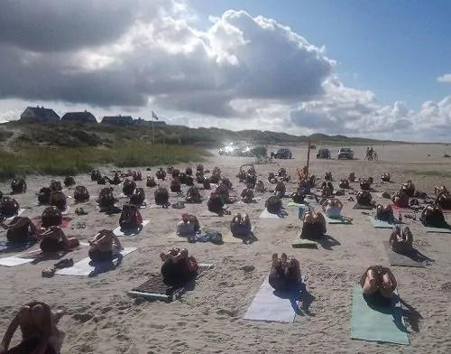 Yoga auf Fanø: Leg Roll