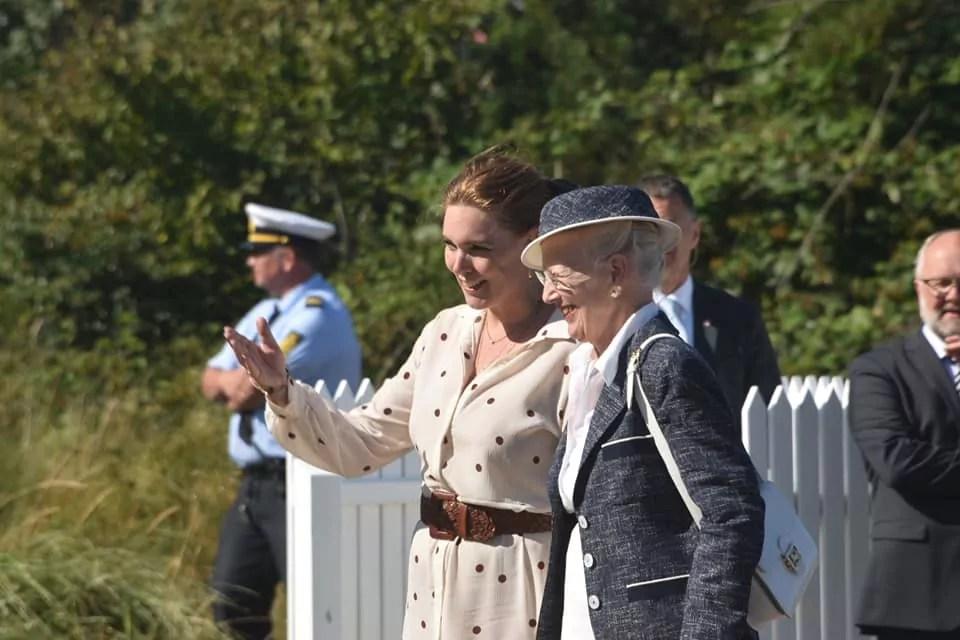 Königin Margrete mit Fanøs Bürgermeisterin
