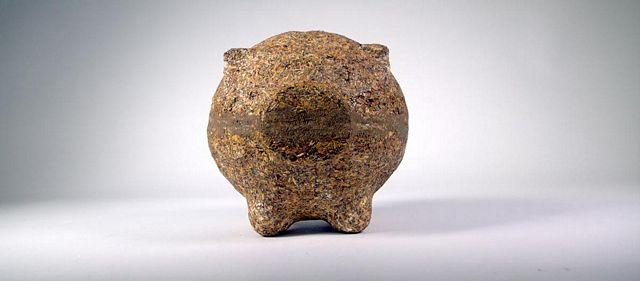 Una alcancía realizada con restos de yerba mate