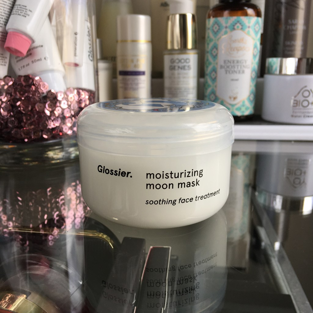 Glossier Moisturizing Moon Mask review