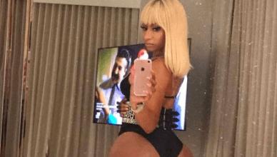 Nicki Minaj Shows Off