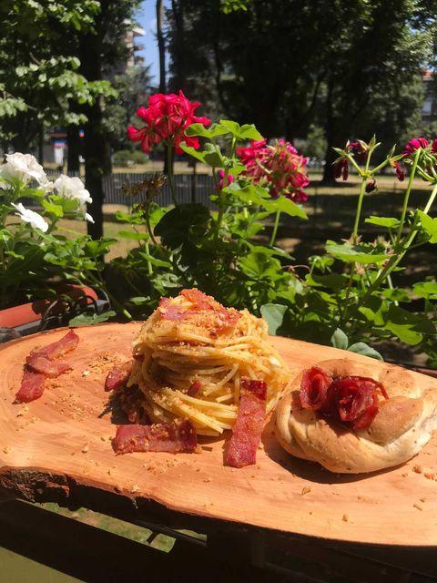 Spaghetti con tarallo napoletano e lomo de bellota iberico