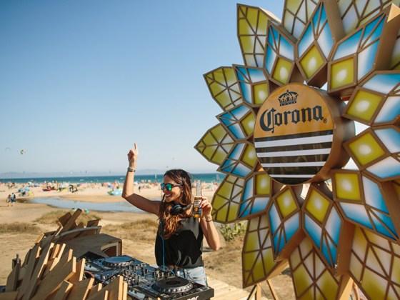 Corona Sunsets Sessions