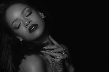 "Rihanna: ""Kiss It Better"""
