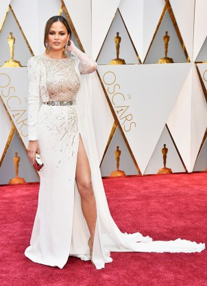 Chrissy Teigen @Oscars 2017