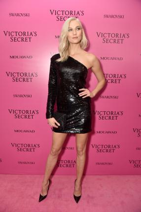 Karlie Kloss @ Victoria's Secret Show 2017