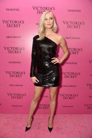 Karlie Kloss @ Victoria's Secret Show 2017