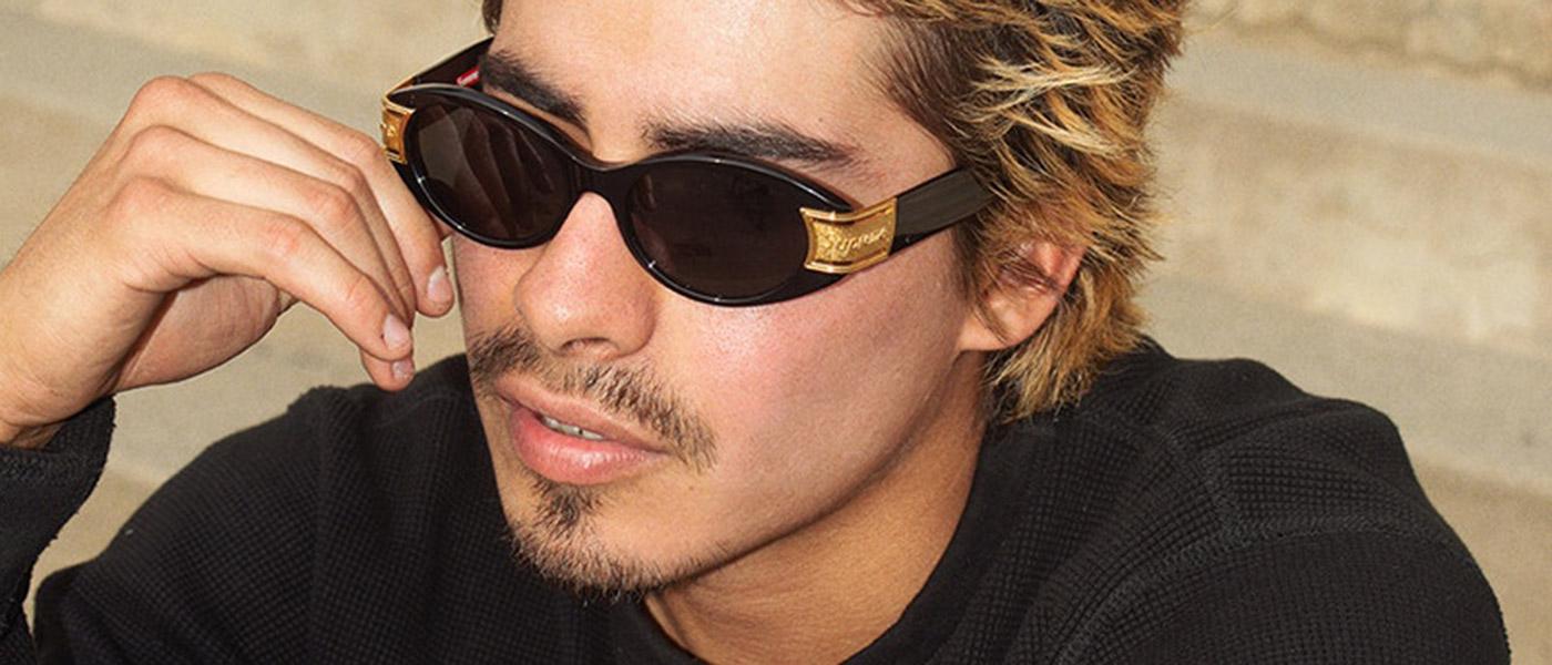 7d0d931727 Si estás buscando unas gafas de sol para este verano (y para la época de  festivales), deja de buscar… Porque Supreme acaba de lanzar una colección de  ...