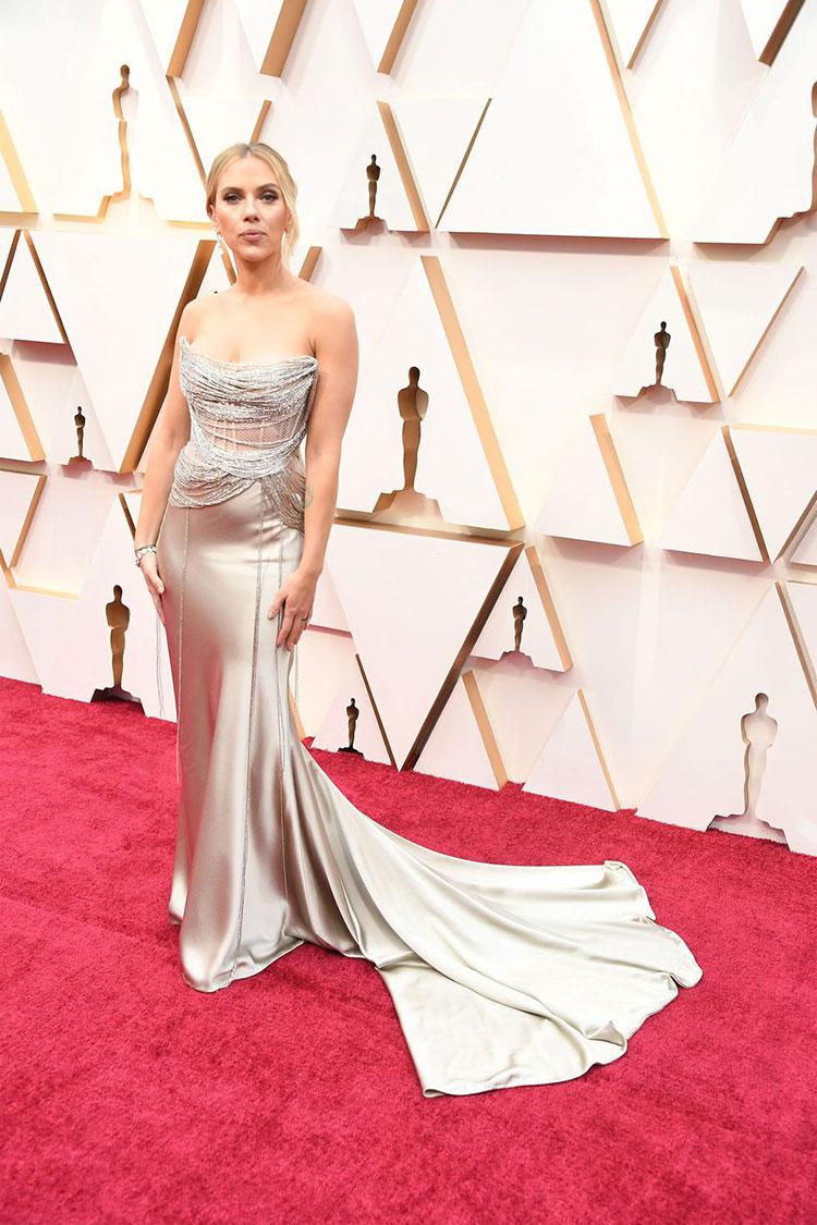 Scarlett Johansson (Oscar de la Renta)