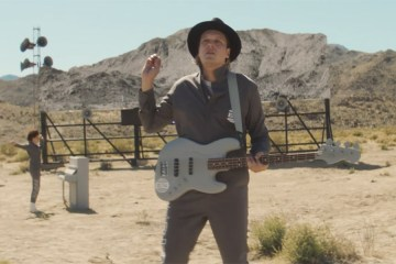 """Everything Now"" de Arcade Fire"