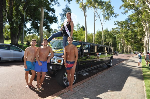 cheeky-hens-party-kings-park—fantasy-hummer-limos