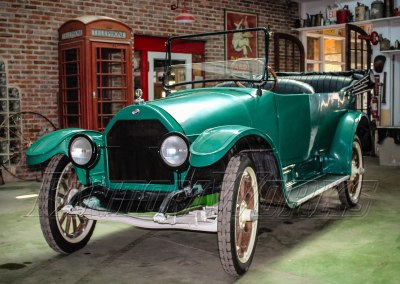 1917 Willys Overland Touring Car