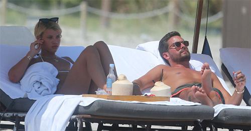 Scott Disick con Sofia Richie – se besaron en Miami!