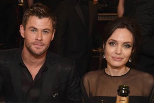 Angelina Jolie tras Chris Hemsworth? WHAT? LOL!