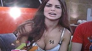 Vanessa Jerí, Roberto Martínez