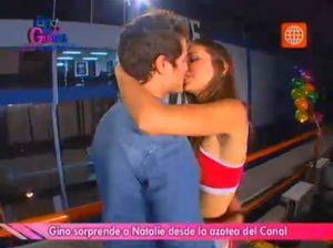 Gino Pesaressi , Natalie Vertiz , Esto es Guerra , América Televisión , Videos de Espectáculos