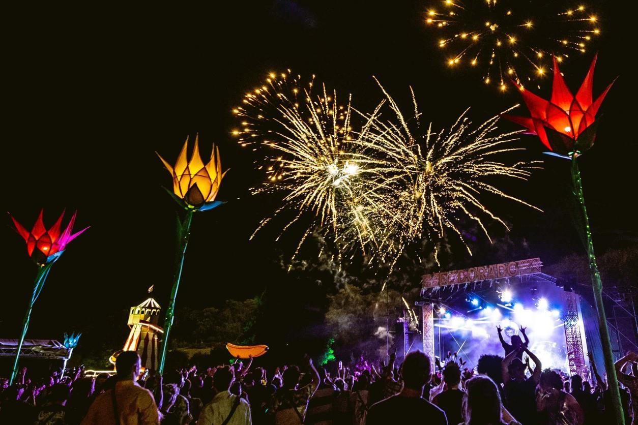 El Dorado Festival Eastnor Castle Deer Park Ledbury Fireworks Band Live Music Helter Skelter Audience Crowd Top 25 Things to Do in Herefordshire