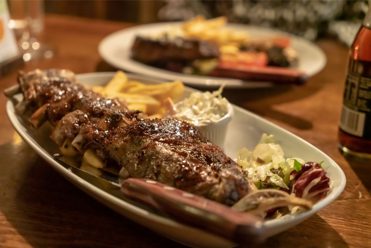ribs-main-meal-dinner-at-the-beaufort-arms-pub-the-gower-wales