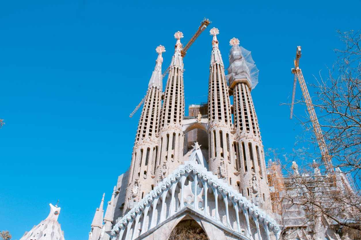 extravagent-church-on-a-summers-day-against-blue-skies-sagrada-familia-famous-tourist-attraction-in-barcelona-two-days-in-barcelona