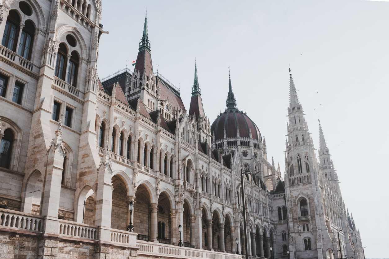 fancy-historic-european-architecture-hungarian-parliament-building