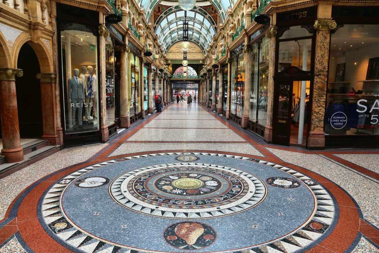 inside-victoria-quarter-arcade