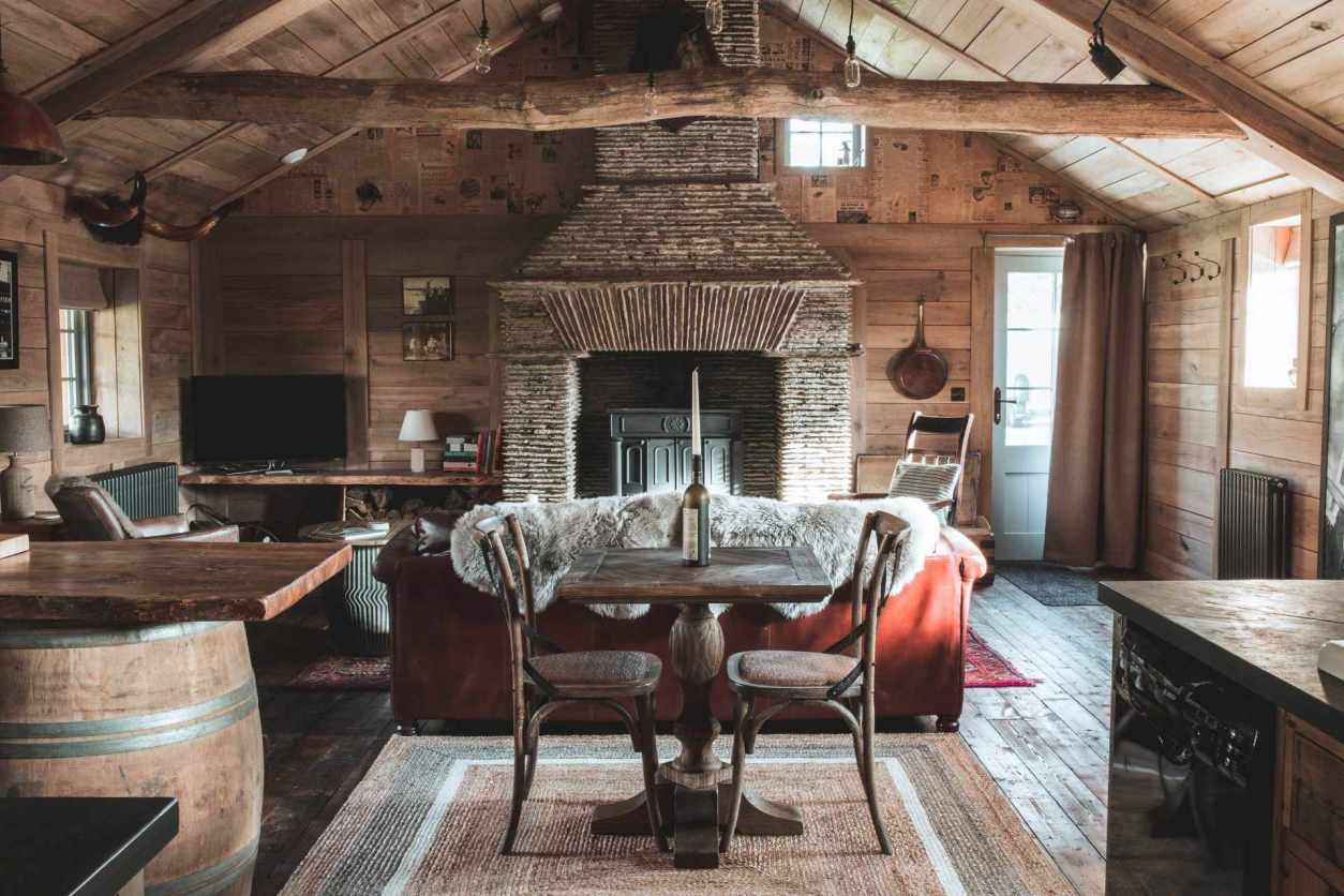 interior-of-rustic-cosy-moonshine-shack-cabin-in-marhamchurch-best-airbnbs-in-cornwall