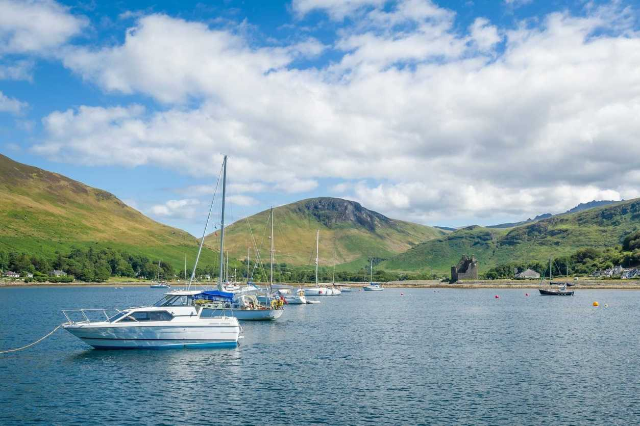 lochranza-bay-with-boats-at-anchor-arran-island-day-trips-from-glasgow