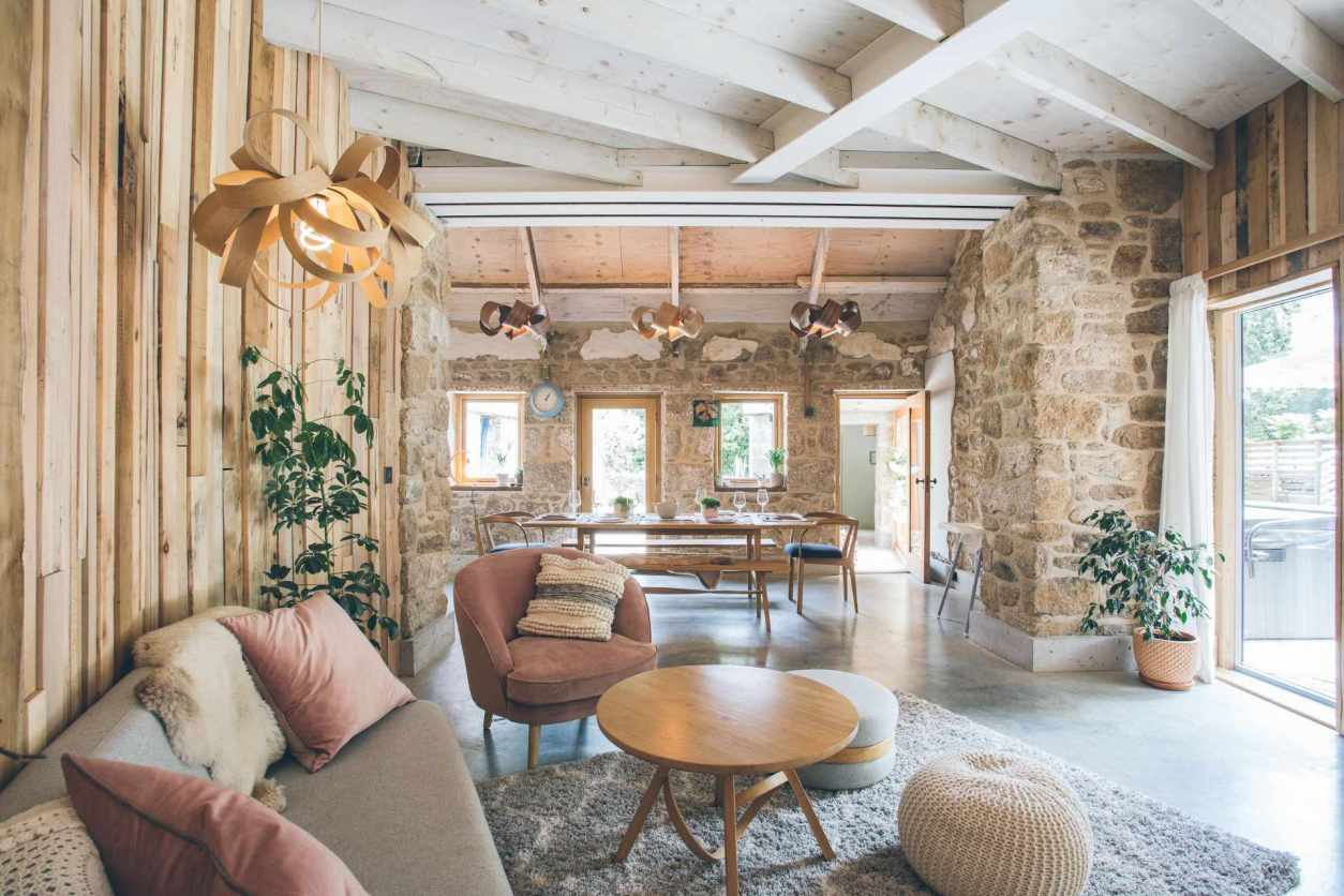 safari-style-spacious-living-area-in-the-game-keepers-lodge-in-helston