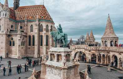 statue-in-centre-of-square-in-castle-fishermans-bastion