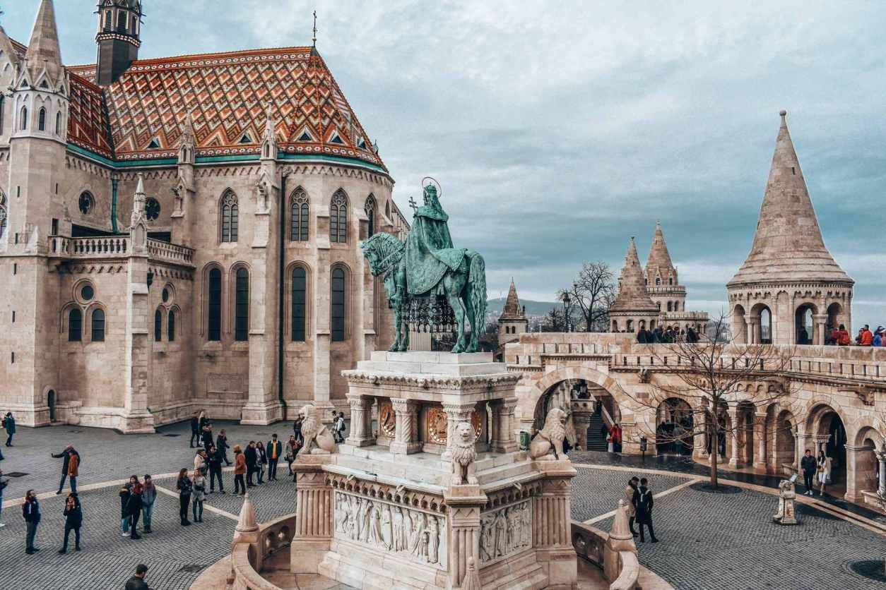 statue-in-centre-of-square-in-castle-fishermans-bastion-4-days-in-budapest-itinerary