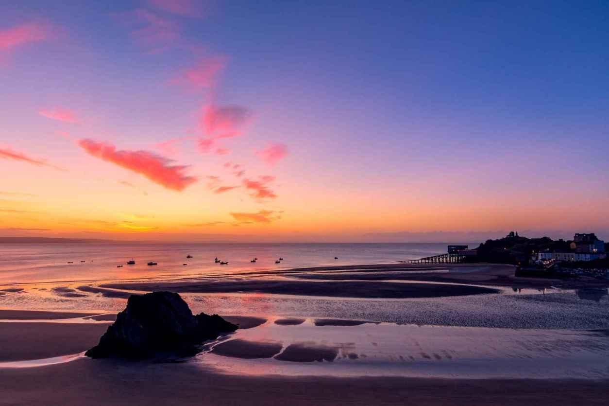 tenby-seascape-at-sunset-days-out-in-south-wales