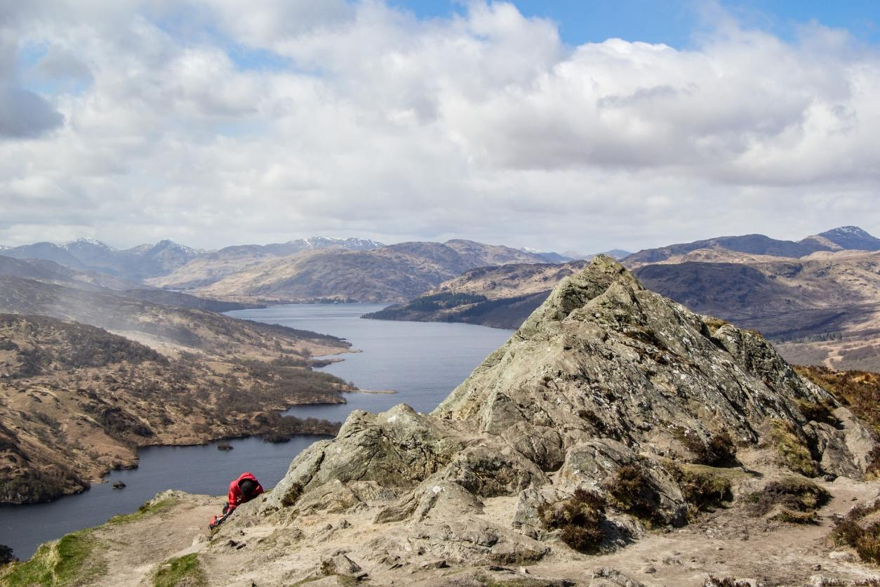 view-from-ben-aan-mountain-overlooking-loch-katrine-in-the-trossachs-national-park-day-trips-from-glasgow