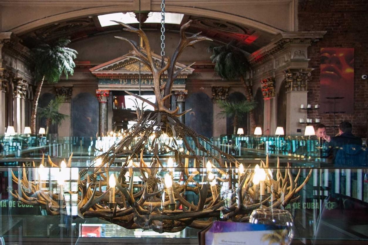 alma-de-cuba-restaurant-inside-old-catholic-church