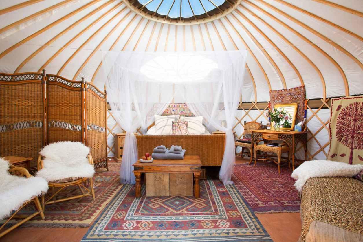 bedroom-and-living-area-of-st-annes-yurt-in-glastonbury