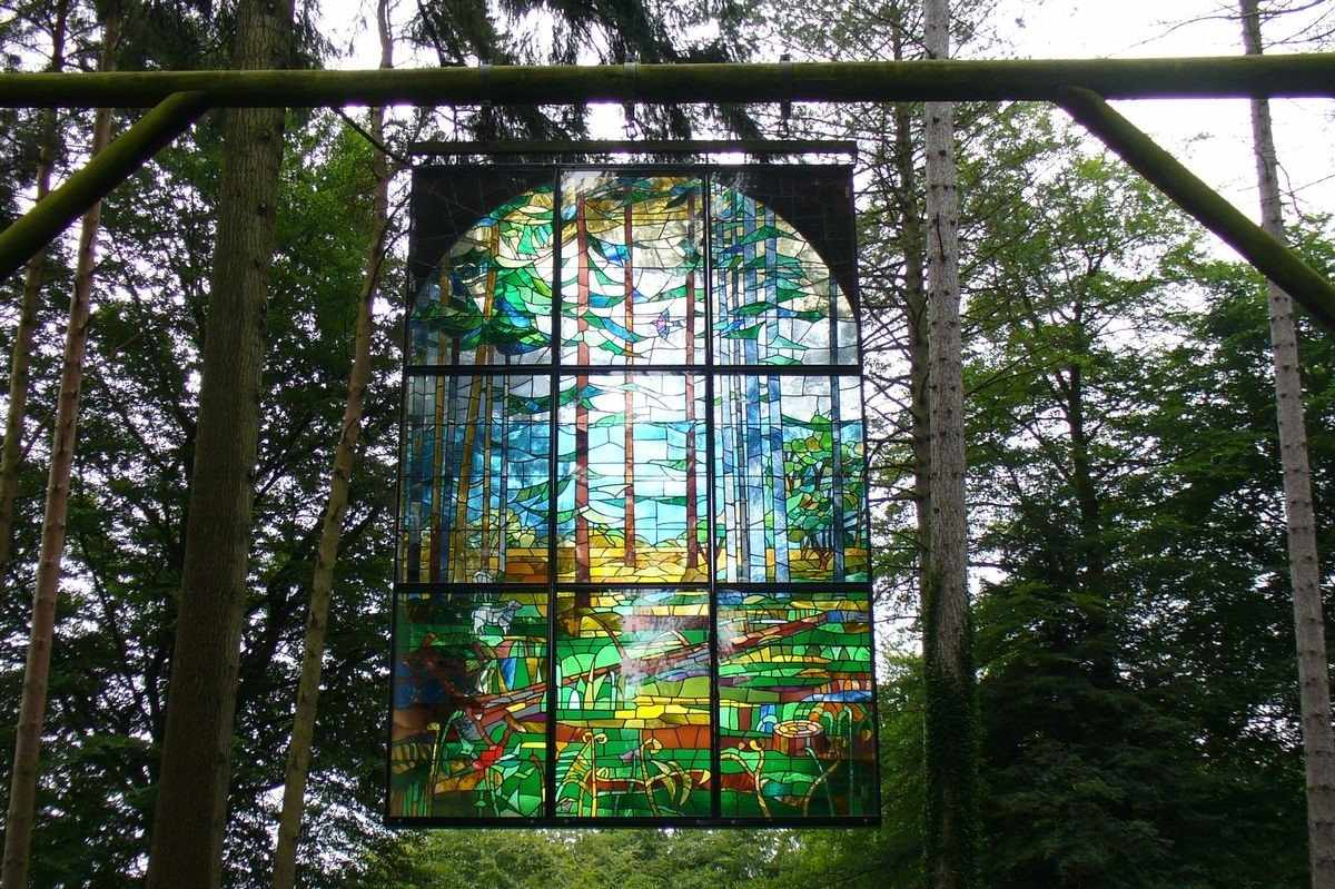 cathedral-stained-glass-window-hanging-in-forest-of-dean-sculpture-trail-things-to-do-in-the-forest-of-dean